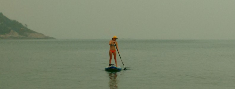 Hazy skies paddling in Samui